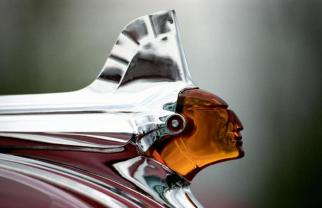 Pontiac Hood Ornament